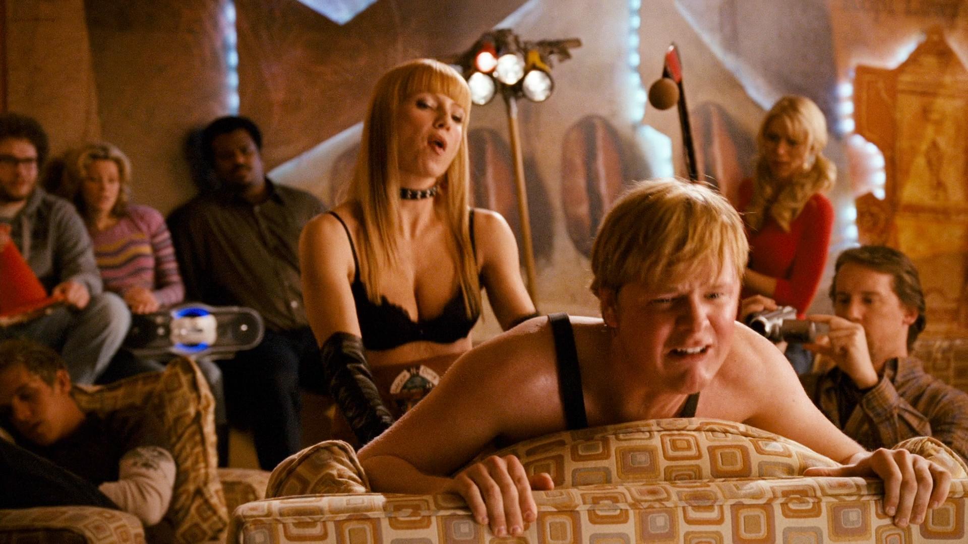 Elizabeth Banks hot Katie Morgan nude others nude too - Zack and Miri Make A Porno (2008) hd1080p BluRay (16)