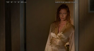 Lara Phillips nude topless and Connie Nielsen hot - The Ice Harvest (2005) hdtv720p (15)