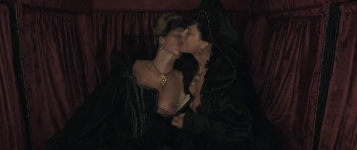 Stacy Martin nude butt others nude - Il racconto dei racconti (2015) hd1080p (24)