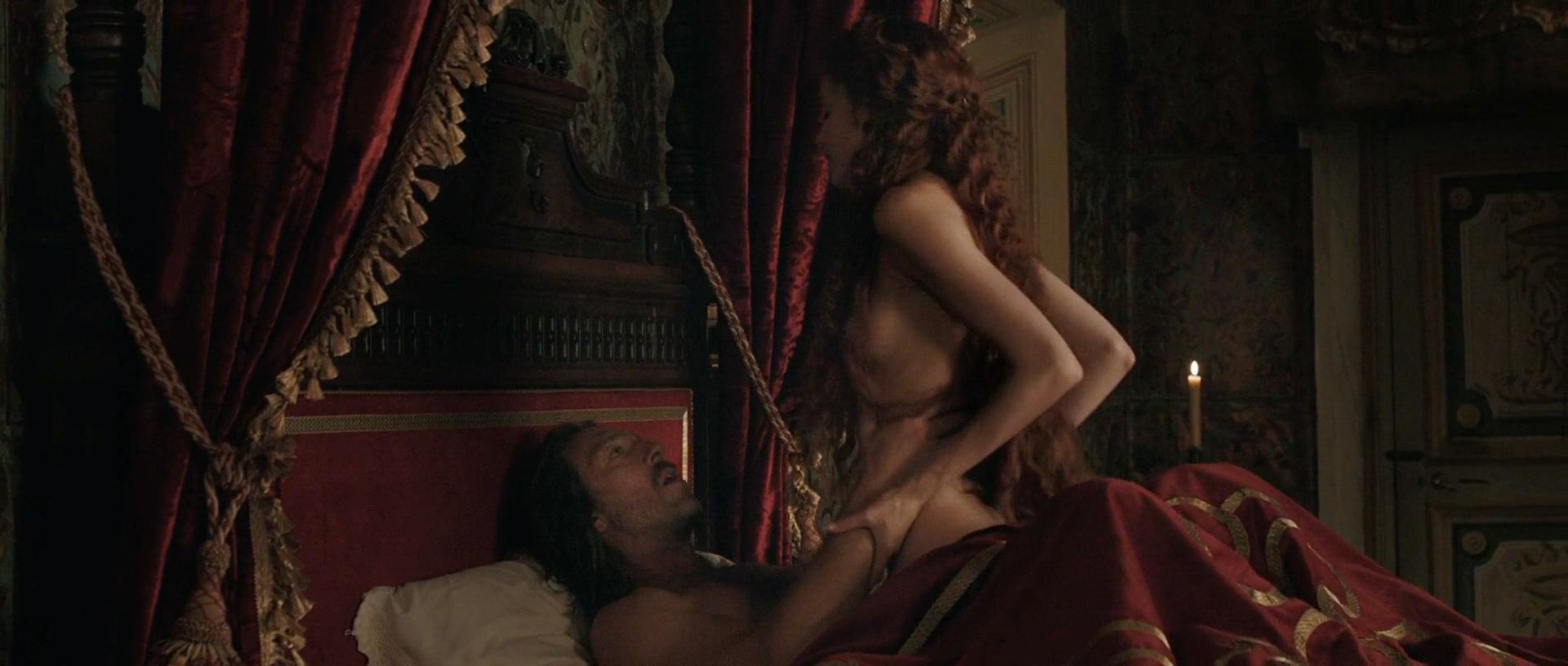 Stacy Martin nude butt others nude - Il racconto dei racconti (2015) hd1080p (2)