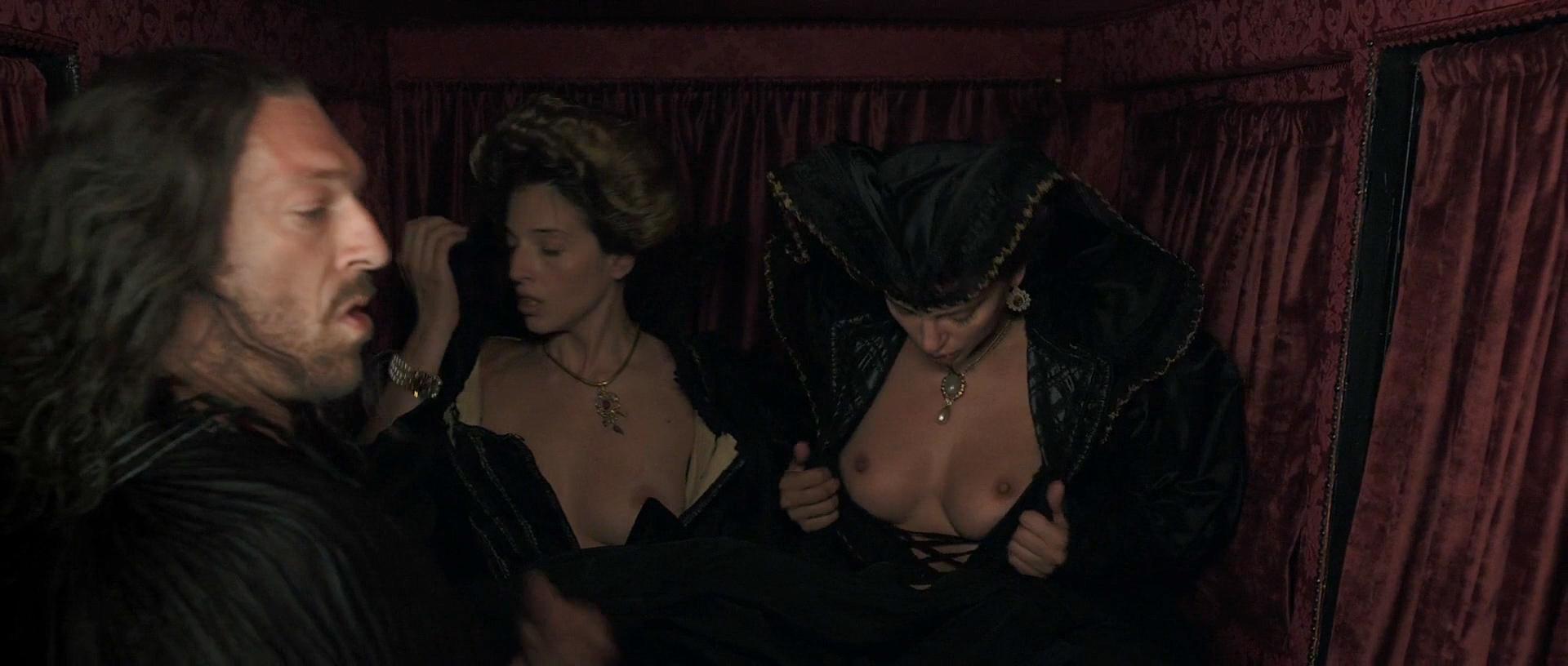 Stacy Martin nude butt others nude - Il racconto dei racconti (2015) hd1080p (9)