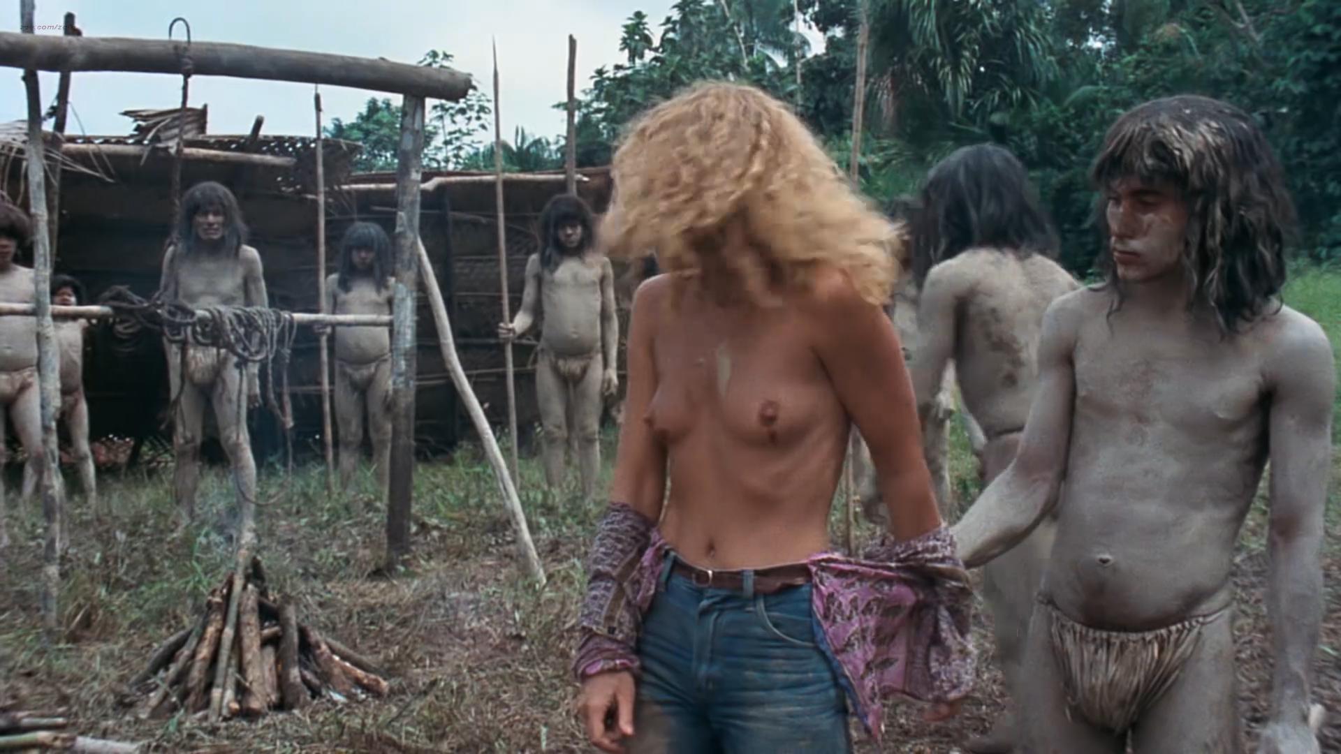 Zora Kerova nude topless - Cannibal Ferox (IT-1981) hd1080p BluRay (10)