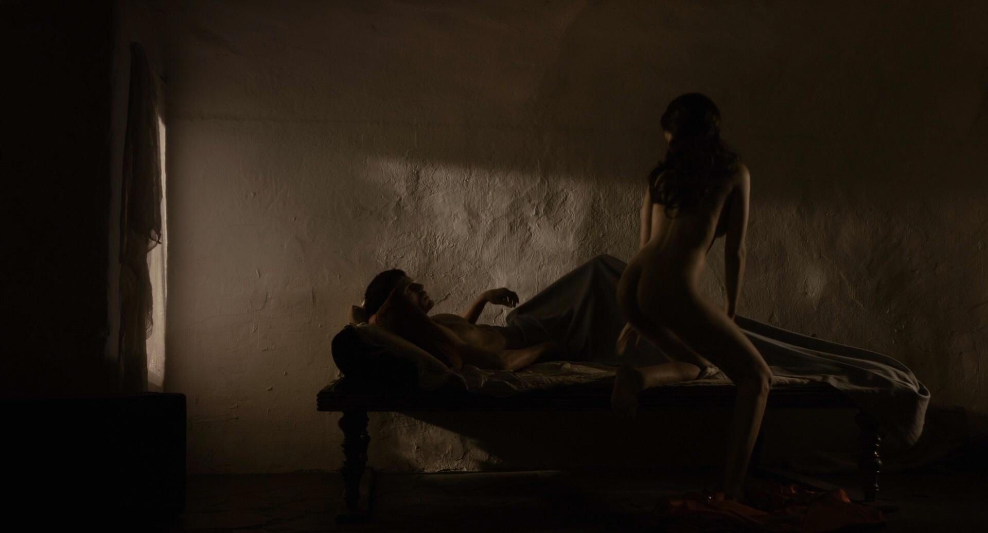 chaudhary-freida-pinto-nude-scenes-girl-fat