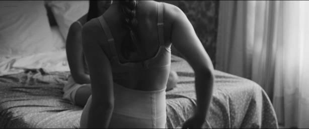 Esther Garrel nude brief side boob and Leïla Bekhti hot - L'astragale (FR-2015) HD 1080p (3)