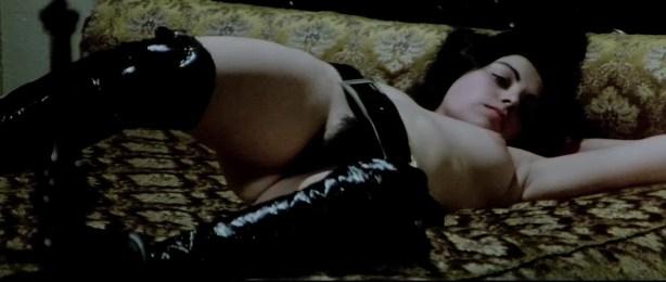 Lina Romay nude bush Monica Swinn & Anna Watican - Female Vampire (1973) HD 720p BluRay (11)