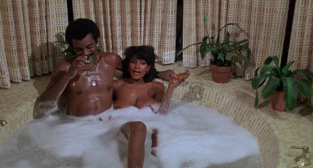 Pam Grier nude in shower and Rosalind Miles nude too - Friday Foster (1975) HD 720p BluRay (2)