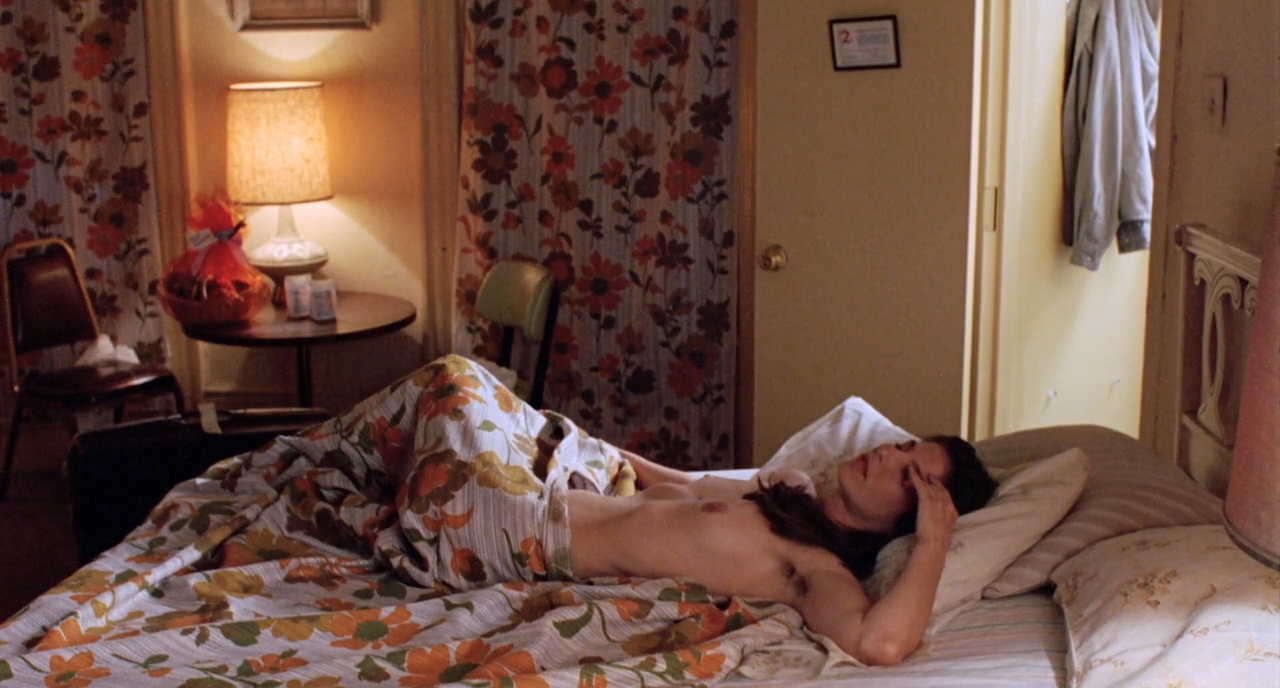 Catherine Keener nude topless - Living in Oblivion (1995) HD 720p (4)