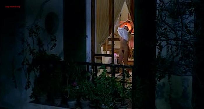 Gloria Guida nude bush and Anita Sanders nude butt - Quella Eta Maliziosa (IT-1975) (7)