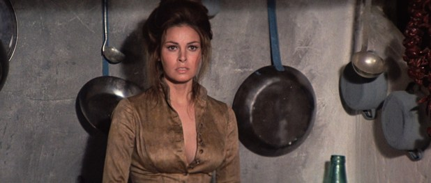 Raquel Welch hot butt and wet see through - Hannie Caulder (1972) HD 1080p BluRay (6)