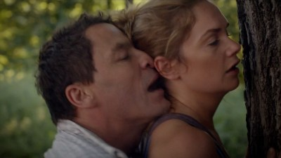 Ruth Wilson hot and wet in bikini sex doggystyle - The Affair (2015) s2e6 HD 720p (7)