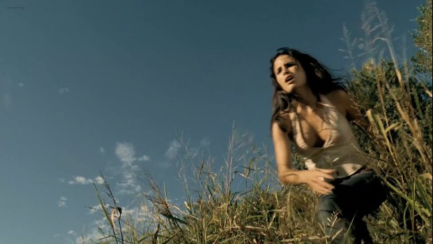 Diora Baird hot lingerie and Jordana Brewster hot - The Texas Chainsaw Massacre -The Beginning (2006) HD1080p BluRay (3)