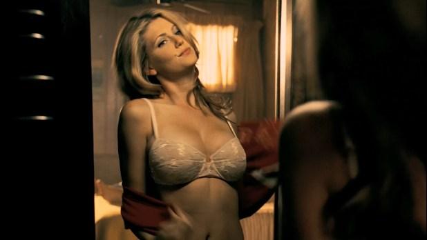 Diora Baird hot lingerie and Jordana Brewster hot - The Texas Chainsaw Massacre -The Beginning (2006) HD1080p BluRay (10)