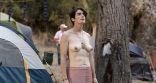 Gaby Hoffmann nude bush and topless, Jiz Lee nude Carrie Brownstein lesbian - Transparent (2015) S02 HD 1080p (10)