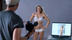 Lisa Edelstein nude butt and sex Beau Garrett and Necar Zadegan hot – Girlfriends Guide to Divorce s02e04 (2015) HD 1080p (15)