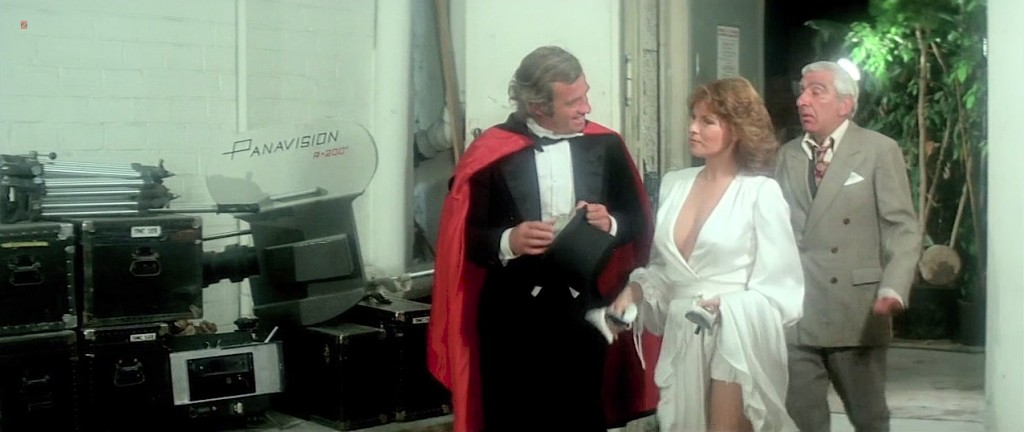 Raquel Welch hot cleavage wet and see through - L'animal (1977 hd720p (7)
