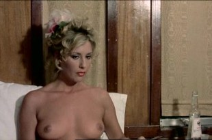 Serena Grandi nude big boobs, Anna Maria Rizzoli nude too – La compagna di viaggio (IT-1980)