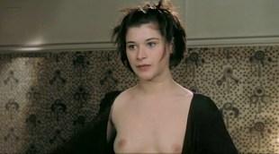 Valentina Cervi nude bush and boobs - Rien Sur Robert (FR-1999)