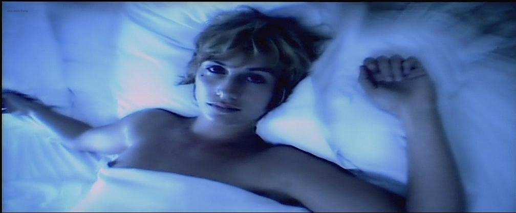 Cécile De France nude topless lot of sex - L'art (délicat) de La Séduction (FR-2001) (8)