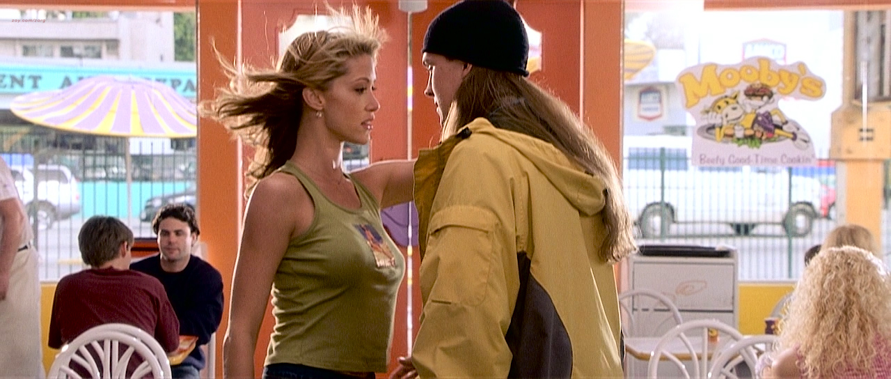 Eliza Dushku hot Shannon Elizabeth hot and busty other's sexy. - Jay and Silent Bob Strike Back (2001) HD 720p BluRay (6)