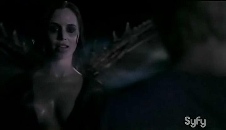 Eliza Dushku hot and wet - Open Graves (2009) (3)