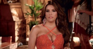 Eva Longoria hot cleavages and Jadyn Douglas hot and busty - Telenovela (2016) s1e4 HDTV 1080p (12)