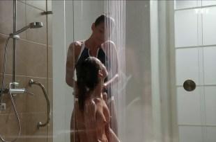 Jennifer Lauret nude topless mild sex – Une Famille Formidable (FR-2015) s12e4 HDTV 720p