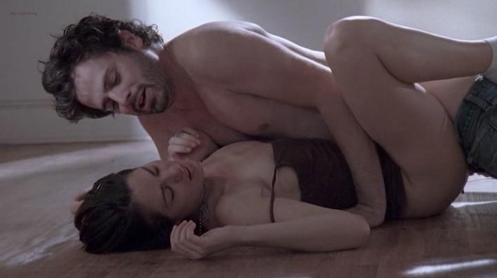 Michelle Borth nude and sex - Tell Me You Love Me (2007) S01E01-05 (5)