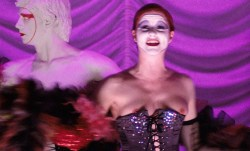 Susan Sarandon hot and sexy and Nell Campbell nude nipple slip - The Rocky Horror Picture Show (1975) HD 1080p BluRay (14)