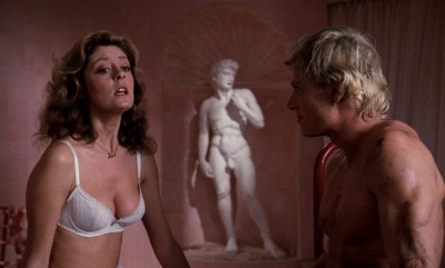 Susan Sarandon hot and sexy and Nell Campbell nude nipple slip - The Rocky Horror Picture Show (1975) HD 1080p BluRay (7)