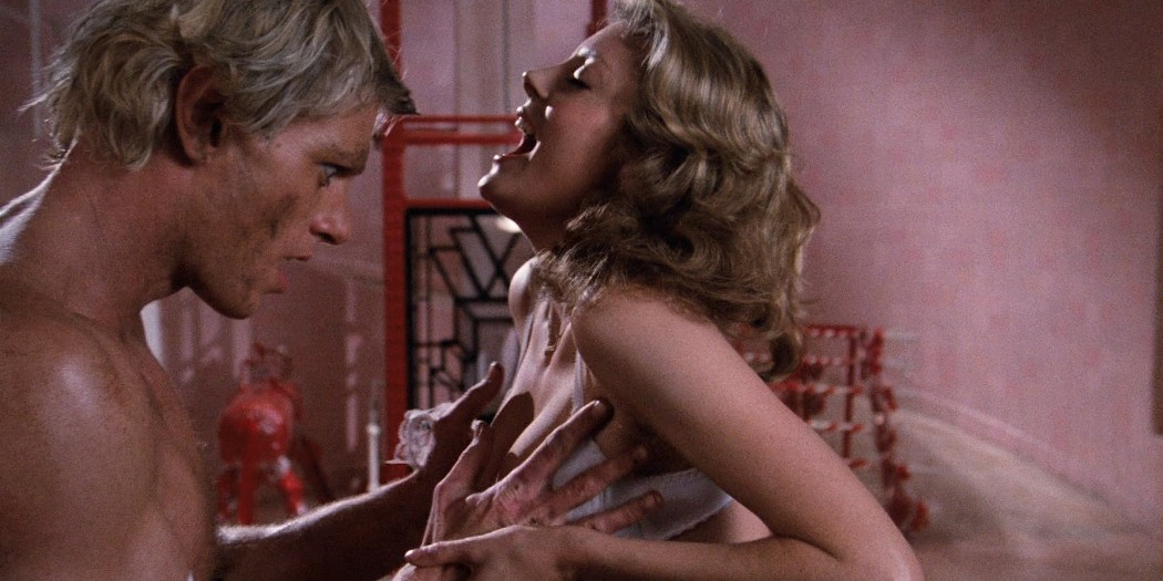 Susan Sarandon hot and sexy and Nell Campbell nude nipple slip - The Rocky Horror Picture Show (1975) HD 1080p BluRay (5)