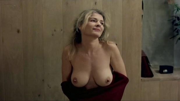 Amira Casar nude bush Helene de Saint Pere nude full frontal - Peindre ou faire l'amour (FR-2005) (13)