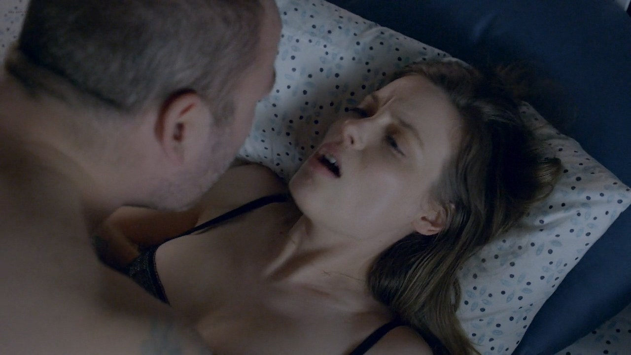 Gillian Jacobs hot sex, Emily Sandifer and Jennifer Blakeslee nude topless and sex - Love (2016) s1e1 HD720p (10)