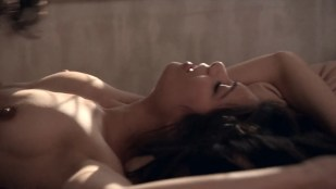 Ginger Gonzaga nude topless and sex and Melanie Lynskey sex no skin - Togetherness (2016) s2e1 HDTV 720p