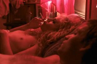 Juno Temple nude butt and boob in hot sex scene – Vinyl (2016) s01e01 HDTV 1080p