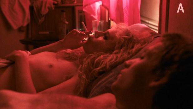 Juno Temple nude butt and boob in hot sex scene - Vinyl (2016) s01e01 HDTV 1080p (5)