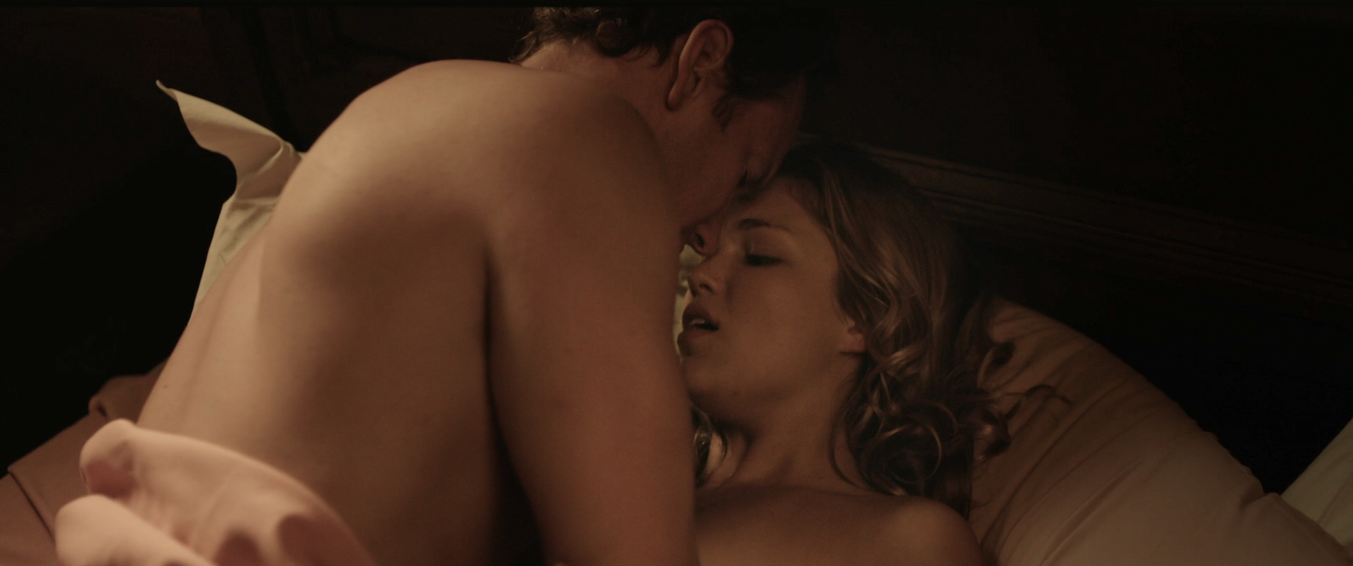 Lili Simmons nude and sex riding a dude - Bone Tomahawk (2015) HD 1080p BluRay (7)