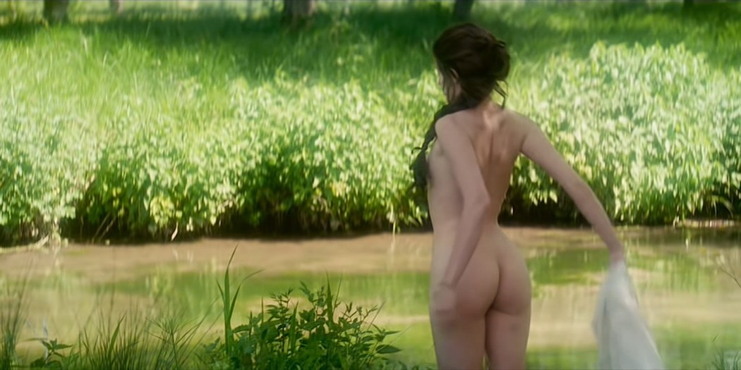Marie Gillain nude butt naked and skinny dipping - Le bossu (FR-1997) HD 1080p (4)