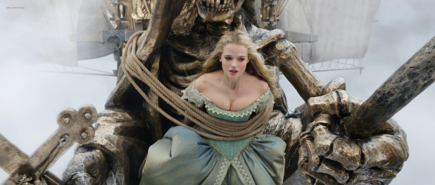 Milla Jovovich hot leggy and Gabriella Wilde cute and hot - The Three Musketeers (2011) HD 1080p BluRay (14)