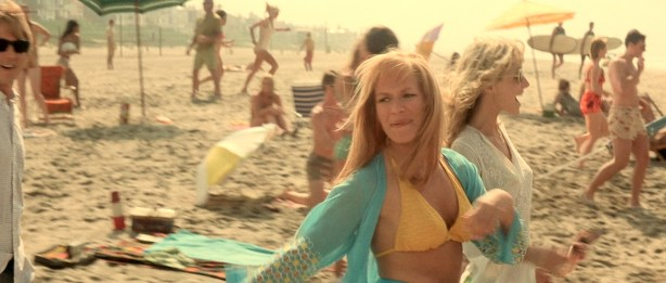 Penélope-Cruz-hot-and-sexy-Franka-Potente-and-others-hot-in-bikini-Blow-2001-HD-1080p-BluRay-2