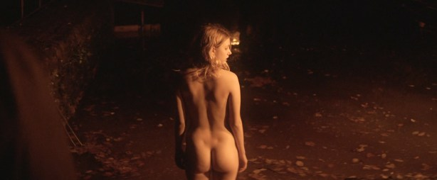 Hannah Murray nude butt skinny dipping other's nude too - Bridgend (UK-2015) HD 1080p (10)