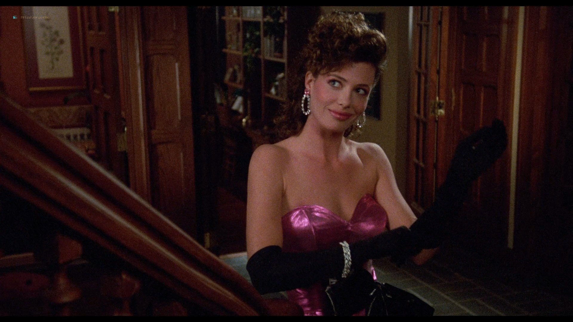 Kelly LeBrock hot and sexy - Weird Science (1985) HD 1080p BluRay (10)