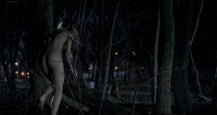 Laura Vandervoort nude but covered others nude butt - Bitten (2014) s01e01 HD 1080p (4)