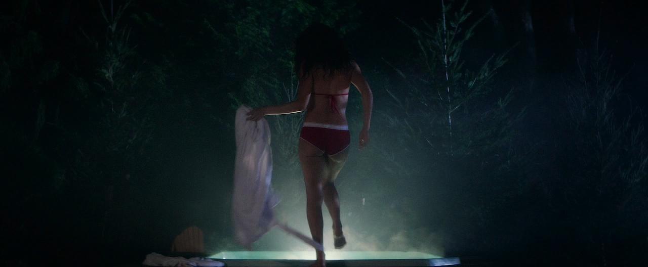 Autumn Kendrick nude topless and sex and Miranda Rae Mayo hot bikini - The Girl In The Photographs (2015) HD 720p WEB-DL (2)