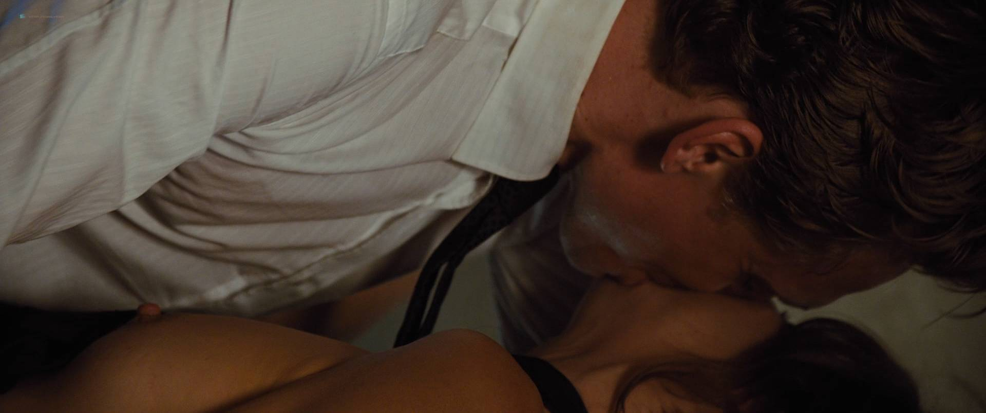 Sienna Miller nude boobs and hot sex - High-Rise (2015) HD 1080p (9)