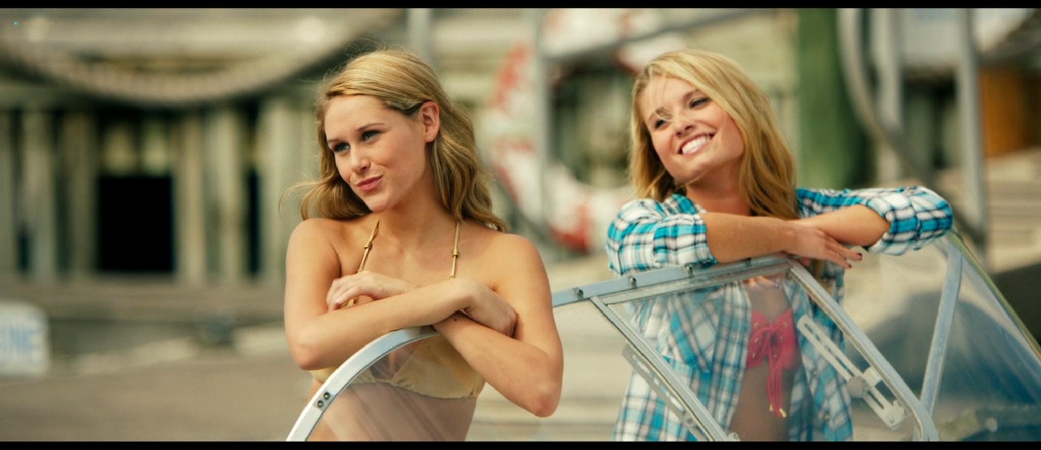 Teresa Palmer hot bikini and Maggie Grace, Alexandra Daddario hot too - The Choice (2016) HD 1080p BluRay (20)