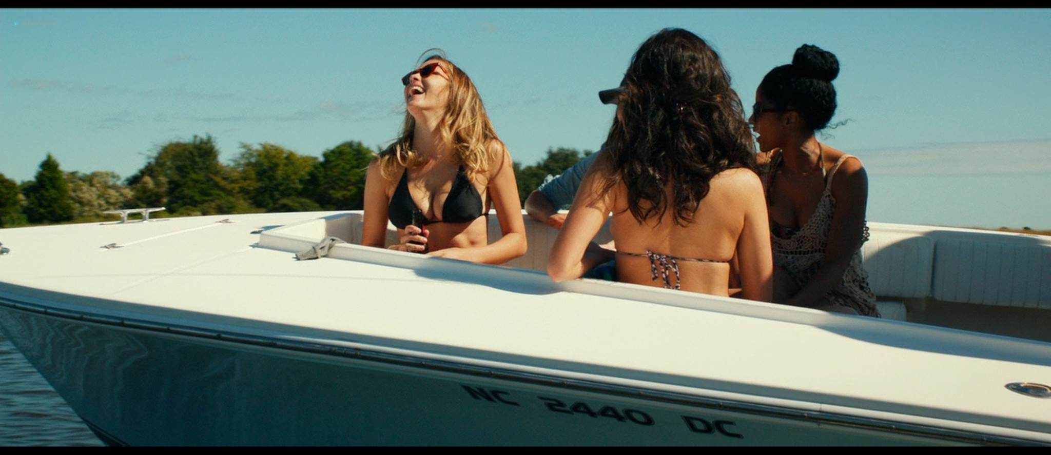 Teresa Palmer hot bikini and Maggie Grace, Alexandra Daddario hot too - The Choice (2016) HD 1080p BluRay (12)