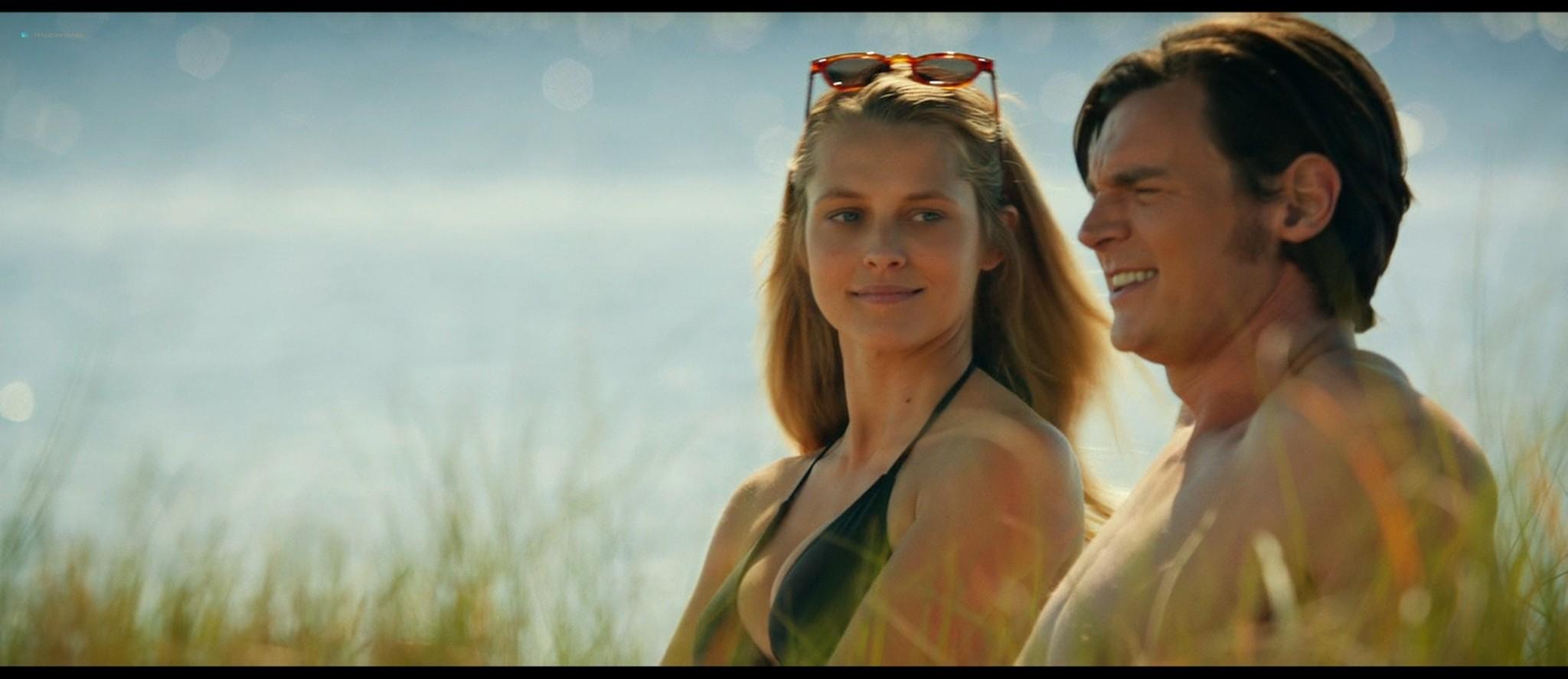 Teresa Palmer hot bikini and Maggie Grace, Alexandra Daddario hot too - The Choice (2016) HD 1080p BluRay (8)