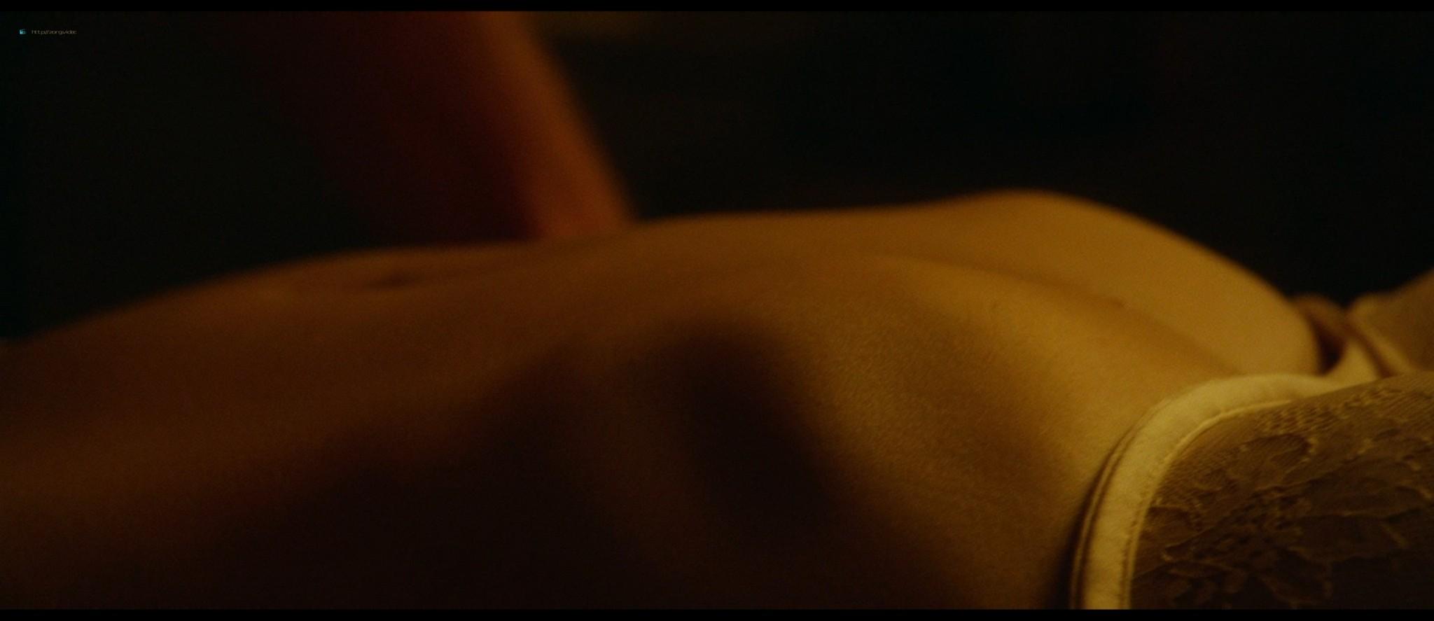 Teresa Palmer hot bikini and Maggie Grace, Alexandra Daddario hot too - The Choice (2016) HD 1080p BluRay (6)
