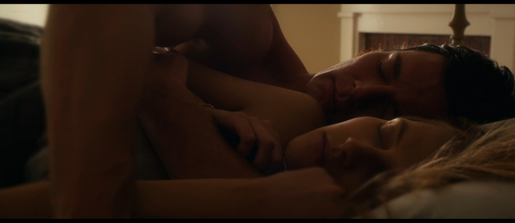 Teresa Palmer hot bikini and Maggie Grace, Alexandra Daddario hot too - The Choice (2016) HD 1080p BluRay (2)