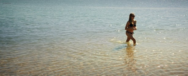 Teresa Palmer hot bikini and Maggie Grace, Alexandra Daddario hot too - The Choice (2016) HD 1080p Web-dl (1)